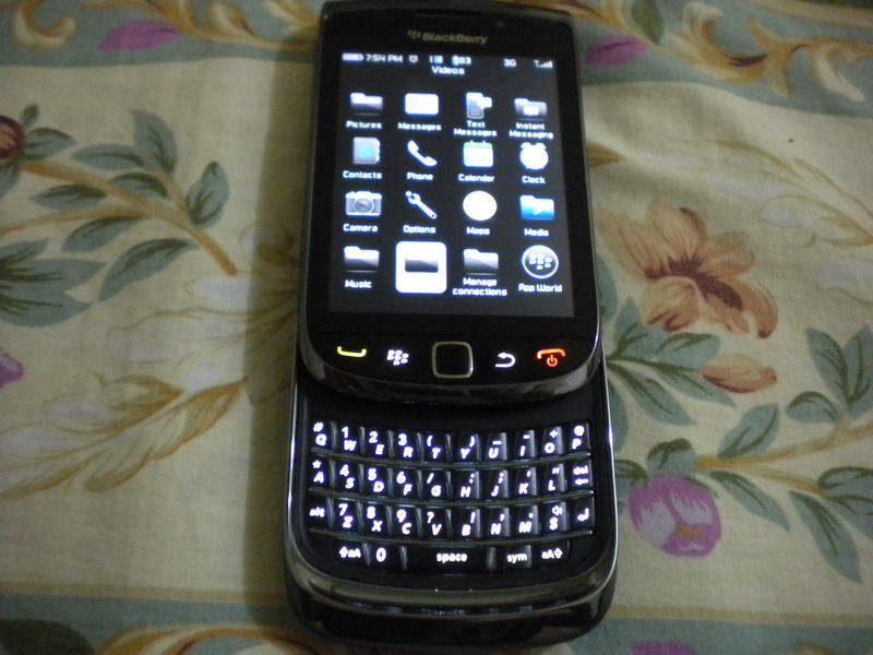 BlackBerry Torch 9800 by Jcyberinux