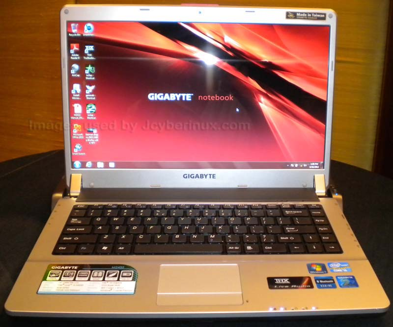 Gigabyte - Notebook M Series - M2432 - Photos by Jcyberinux.com