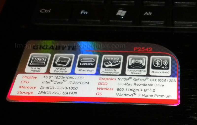 Gigabyte - Notebook P Series - P2542 - Photos by Jcyberinux.com